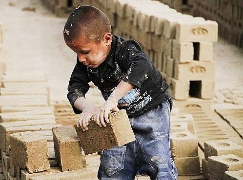 چالش های پیش روی کودکان کار